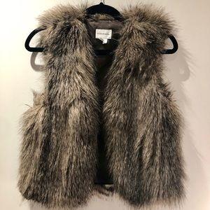 Club Monaco Jackets & Coats - CLUB MONACO faux fur 'Matilda' vest NWT